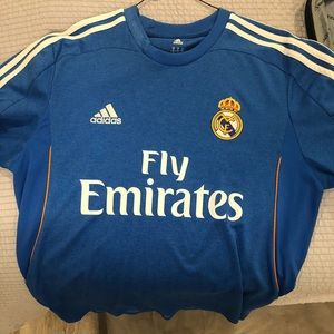 Real Madrid size M MEN Jersey. Authentic